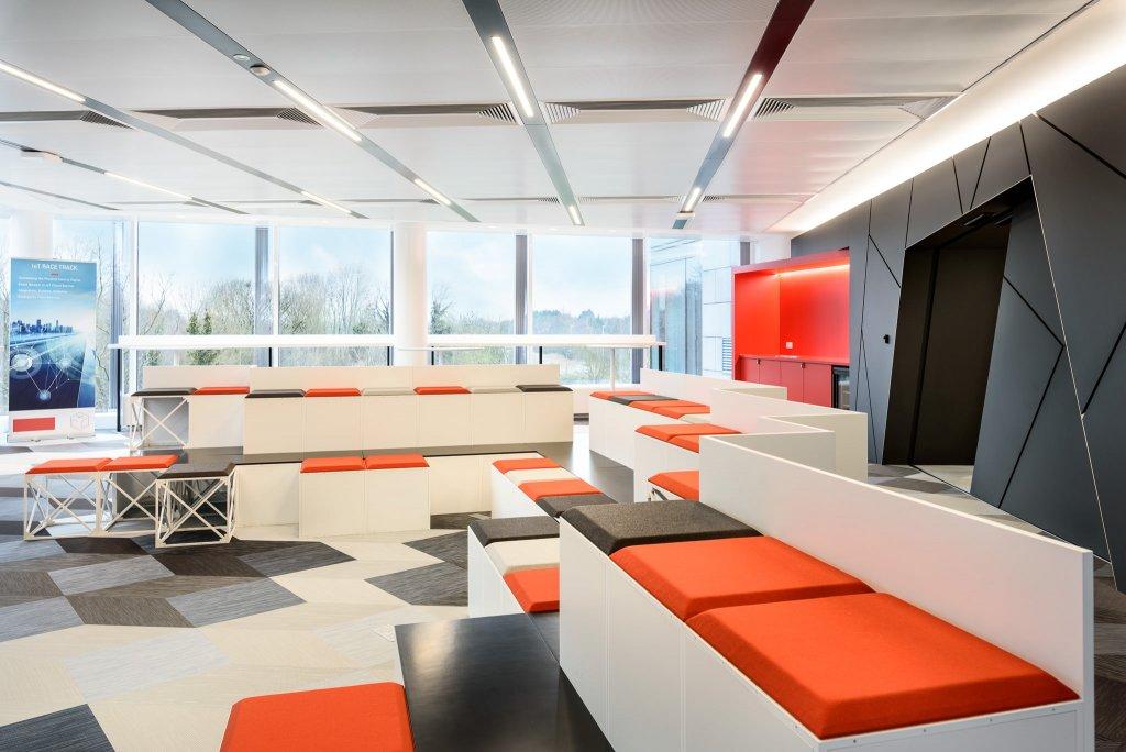 Tech Company Cloud Center